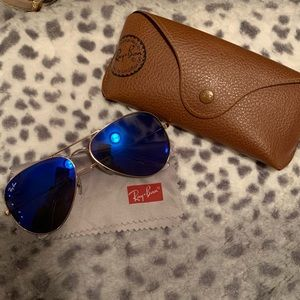 Ray•Ban  Aviator women's Sunglasses